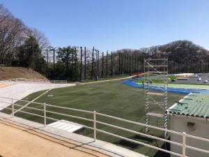 拓殖大学八王子国際キャンパス陸上競技場外に移設